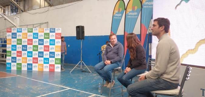 Se construirá en Tunuyán el estadio cubierto del Valle de Uco: Aveiro y Arrondo anunciaron la obra