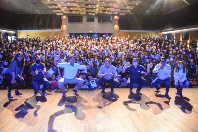 En Tunuyán entregaron tablets a más de 700 estudiantes del último año del secundario