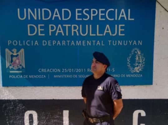 En el Día de la Policía de Mendoza, un subcomisario nos cuenta los desafíos y alegrías que le regala su profesión